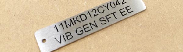 Placas con datos variables grabadas y esmaltadas, aluminio y acero