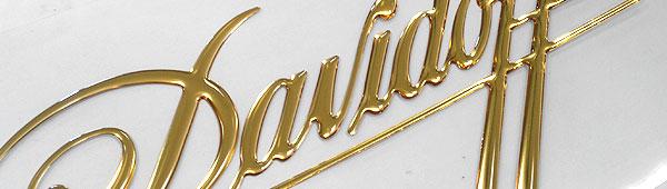 Lettering 3d con acabados cromados oro y plata. También Lettering en PVC.