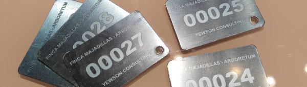 Placas secuenciales grabadas sobre aluminio anodizado y acero inoxidable