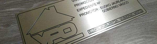 Aluminio anodizado grabado y entintado indeleble