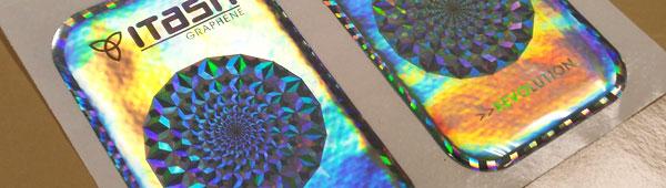 Etiquetas de resina con materiales holográficos y reflectantes